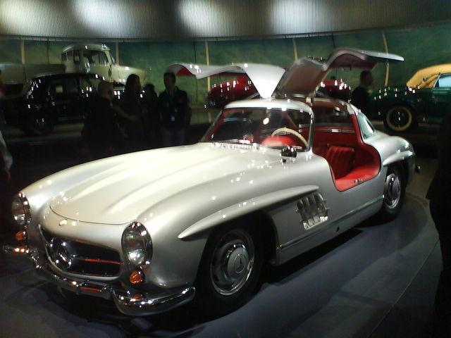 Mercedes Benz Museum >> stephan - Flügelauto! - flügeltüren mercedes museum ...
